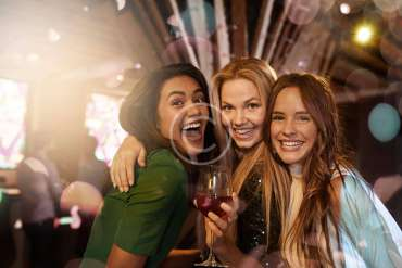 How To: Behave In Nightclubs